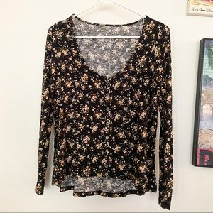 AMERICAN EAGLE NWOT Soft & Sexy Floral Blouse